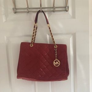 Michael Kors Scarlett Tote Quilted Red Leather